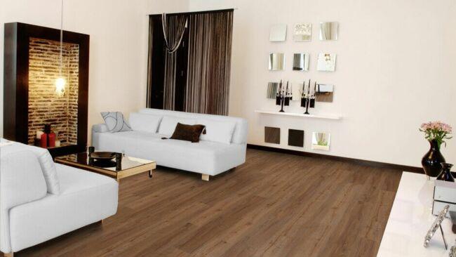 Bild von einem Raum mit schönem Fußboden